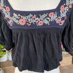 American Eagle Outfitters Crop Top embroidery XS